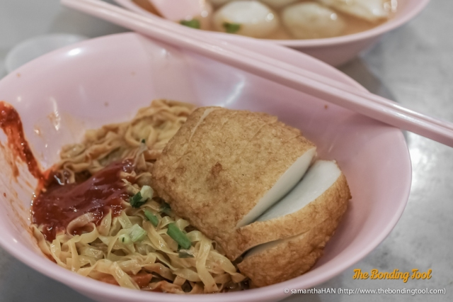 You can have a chunky Fish Cake for S$1 more with a noodle order or S$1.20 for a standalone takeout order.