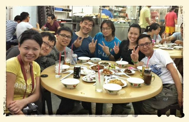 Photo was taken by the lady staff at Joo Seng and courtesy of Andy Liau who tagged me in Facebook.